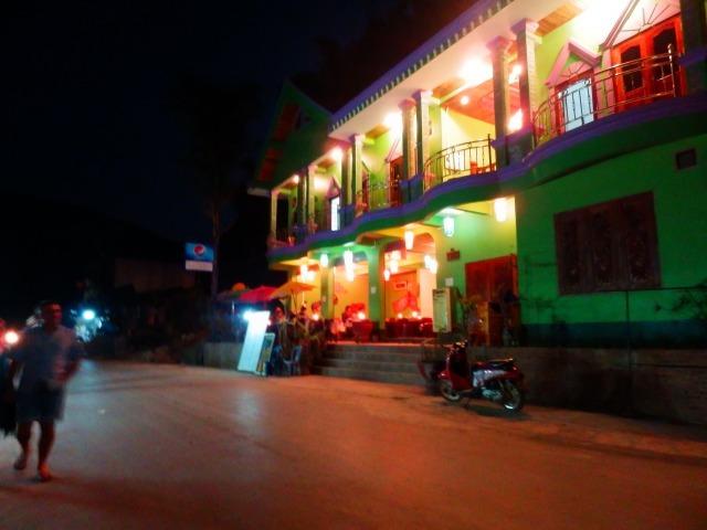パクセーの村は懐かしい明りの色