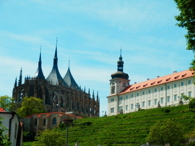 聖バルバラ教会は、裏から見るのがおススメ!