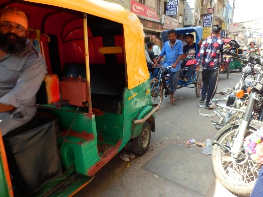 インドの地下鉄ってちゃんと都会